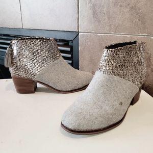 TOMS Leila Felt Heel Tassel Zipper Ankle Boots